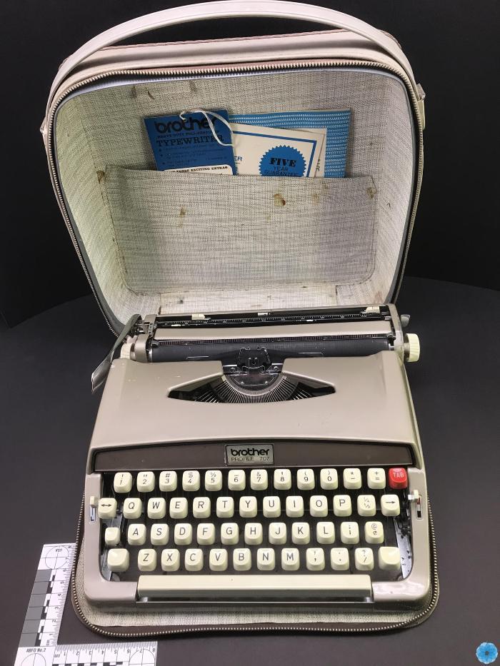 Typewriter, Manual